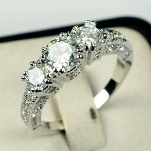 Jewelry - Antique look ring